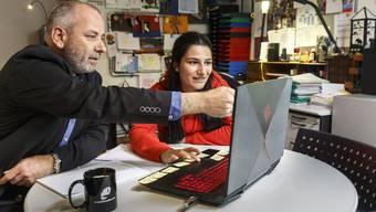 "Jugendprojekt Lift. Berfin arbeitet regelmässig bei Markus Dick, der den ""Projektbunker"" in Biberist führt"