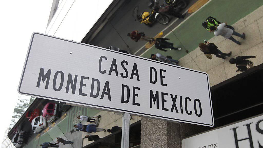 Bei einem Überfall auf eine Filiale der Münzstätte Casa de Moneda in Mexiko haben Unbekannte Goldmünzen und Uhren im Wert von umgerechnet rund 2,5 Millionen Franken erbeutet.