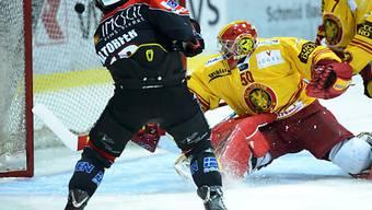 Altorfer bezwingt Langnau-Goalie Croce zum 1:0 für die Walliser