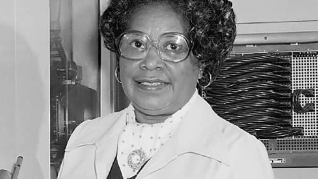15 Jahre nach ihrem Tod erfährt die erste afroamerikanische Ingenieurin Mary Jackson endlich die Wertschätzung ihres Arbeitgebers: Die Nasa benennt ihr Hauptgebäude nach ihr. Auf Jackson und ihre afroamerikanischen Kolleginnen wurde die Behörde durch den Film «Hidden Figures» aufmerksam. (apa/dpa)