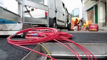 Fasern für Basel: Das Glasfasernetz von IWB und Swisscom verspricht schnellere Internetverbindungen. Christian FLierl