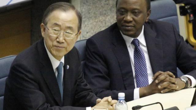 UNO-Generalsekretär Ban (l.) und der kenianische Präsident Kenyatta