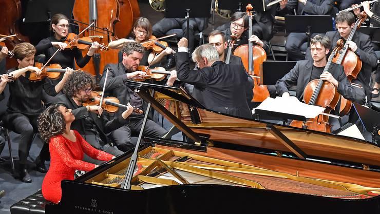 Khatia Buniatishvili und das Kammerorchester Basel sorgten für Begeisterungsstürme im Stadttheater.