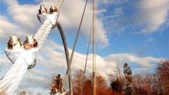 Der Messmast soll Aufschluss über die Windverhältnisse im Gebiet des geplanten Windparks Burg/Mühlacher in Kienberg geben. chr