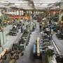 Der neue Frühindikator der KOF deutet auf eine schleppende Entwicklung der Schweizer Wirtschaft hin. Auch die Industrie steht unter Druck. (Archivbild)