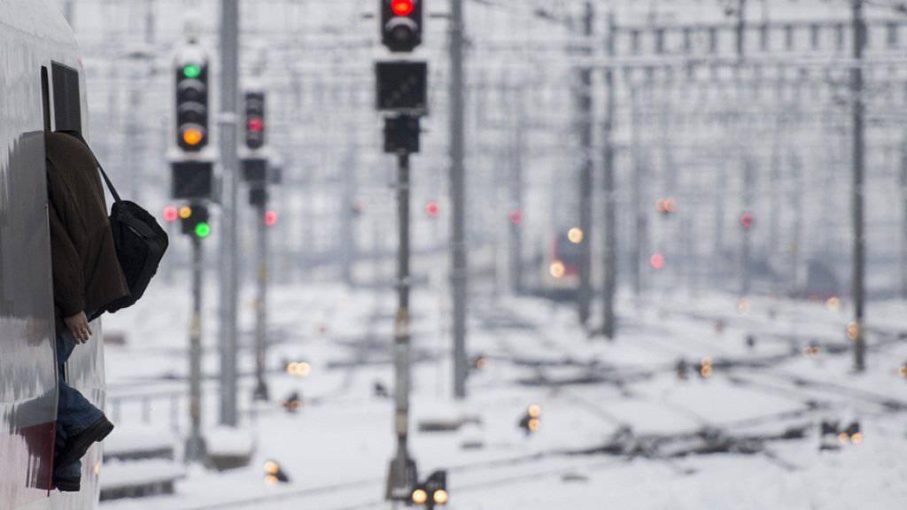 Bei strengem Winterwetter gibt es in Bulgarien seit einer Woche immer wieder Verspätungen auf den Schienen. (Symbolbild)