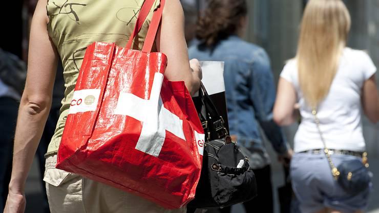 """Länger """"lädelen"""" am Samstag: das Berner Kantonsparlament hat längeren Ladenöffnungszeiten zugestimmt."""