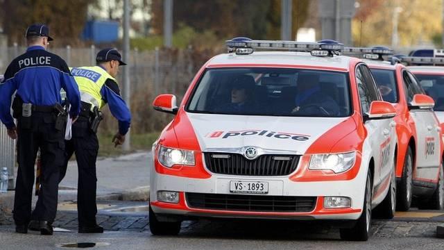 Die Walliser Polizei fahndet nach Bankräubern (Archiv)