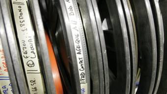Filmrollen in Reih und Glied (Symbolbild)
