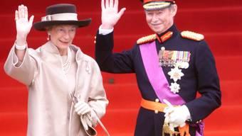 Luxemburger können sich nächste Woche vom verstorbenen Alt-Grossherzog Jean (im Bild mit Grossherzogin Josephine-Charlotte) verabschieden. Das Staatsbegräbnis findet am 4. Mai statt. (Archivbild)