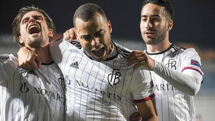 Freude herrscht bei Stocker, Cabral und Campo: Der FC Basel hat soeben in der Europa League gegen Nikosia das 3:0 geschossen.