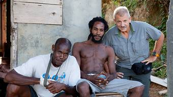 Mit den Bewohnern der Karibikinsel Dominica pflegt Hans Rudolf Hochuli seit zwei Jahren ein enges Verhältnis.