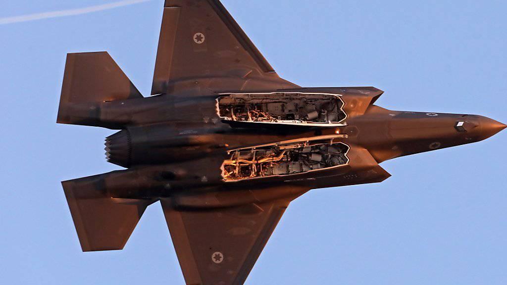 Israelische Kampfjets griffen am Samstag iranische Stellungen in Syrien an. (Symbolbild)
