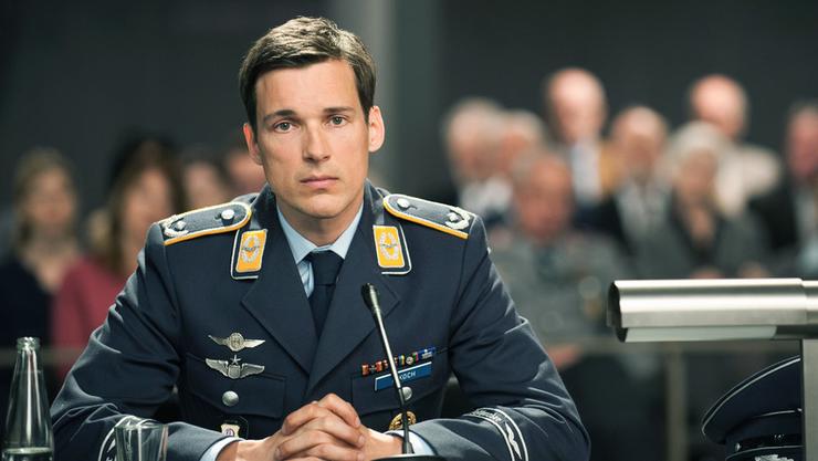 """Der Film """"Terror - Ihr Urteil"""" erzählt die Geschichte eines Kampfpiloten, welcher ein Passagierflugzeug abschiesst."""