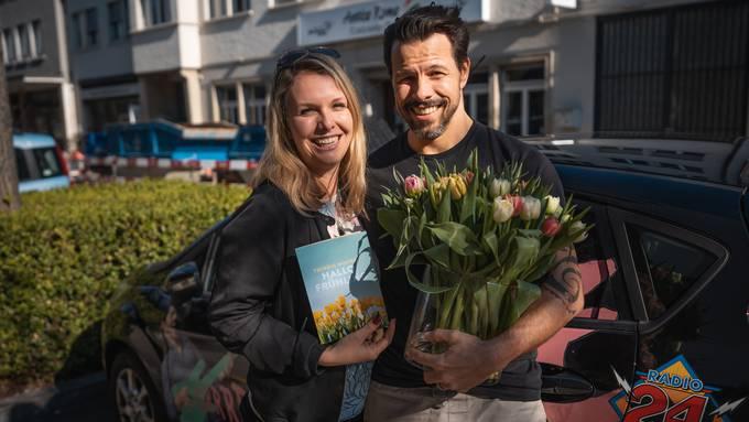 Jenni und Nick beliefern euch mit dem Tulpen-Taxi!