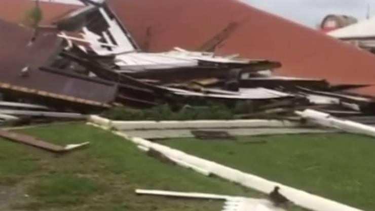 "Das Parlamentsgebäude des Pazifikstaats Tonga ist durch den Wirbelsturm ""Gita"" zerstört worden."