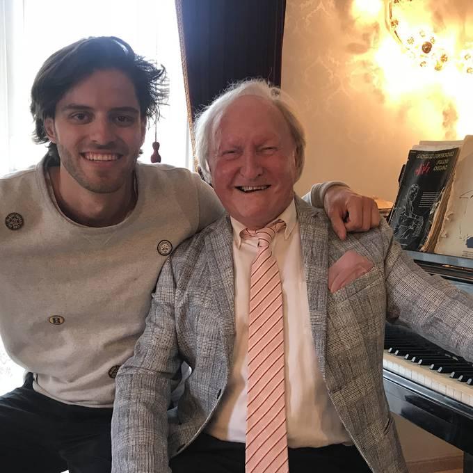 Sir Albert und seine Liebe zum Klavier