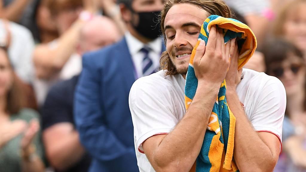 Tsitsipas bereits out, Djokovic nach Fehlstart weiter