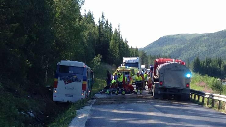 Der verunfallte Aargauer Bus von in Norwegen.