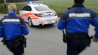 Auch eine Fahndung mit mehreren Polizeipatrouillen konnte den entflohenen Häftling nicht mehr aufspüren. (Symbolbild)