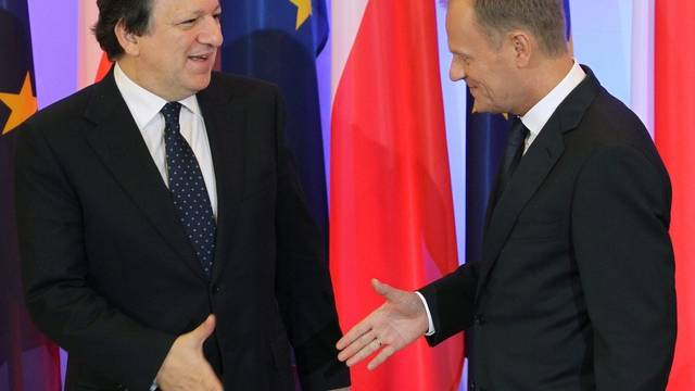 Händeschütteln zum Auftakt des Präsidialjahres: Barroso und Tusk