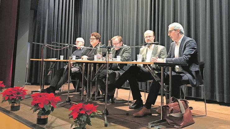 Von links: Mario Etzensberger, Annett Ehrentraut, Podiumsleiter Bernd Kopp, Simon Peng-Keller und Markus Zimmermann.
