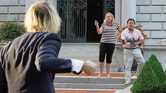 Wie im Horrorfilm «The Purge»: Das Ehepaar McCloskey verteidigte im Juli seine Villa im amerikanischen St. Louis mit Schusswaffen gegen Demonstranten.