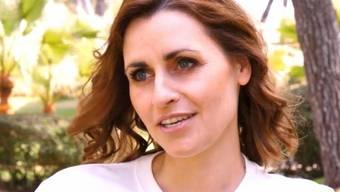 """RTL-""""Exclusiv""""-Moderatorin Bella Lesnik ist glücklich mit ihrem transsexuellen Freund Jill Deimel. Er küsse wie ein Mann, und zwar einer, der's gut kann. (Bild RTL)"""