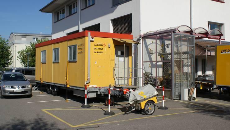 In einer Baracke: Die provisorische Poststelle in Hirschthal.  FBA