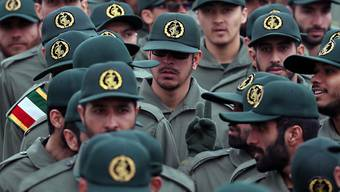 Ihnen galt der Anschlag in der Unruheprovinz Sistan und Belutschistan: Revolutionsgardisten, hier bei einer Zeremonie zum 40. Jahrestag der islamischen Revolution am Dienstag in Teheran.
