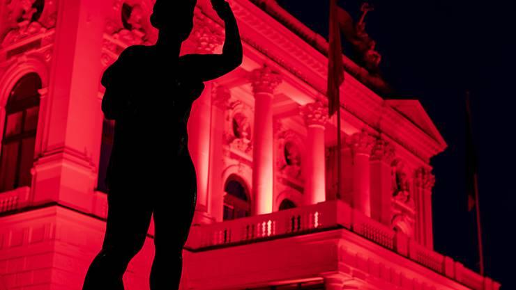 """Mit der Aufhebung der """"ausserordentlichen Lage"""" kehrt die Stadt Zürich wieder zu den normalen Zahlungsfristen zurück. Im Bild die Aktion """"Night of Light"""", mit der Kulturschaffende auf die Corona-bedingte Notlage aufmerksam machten."""