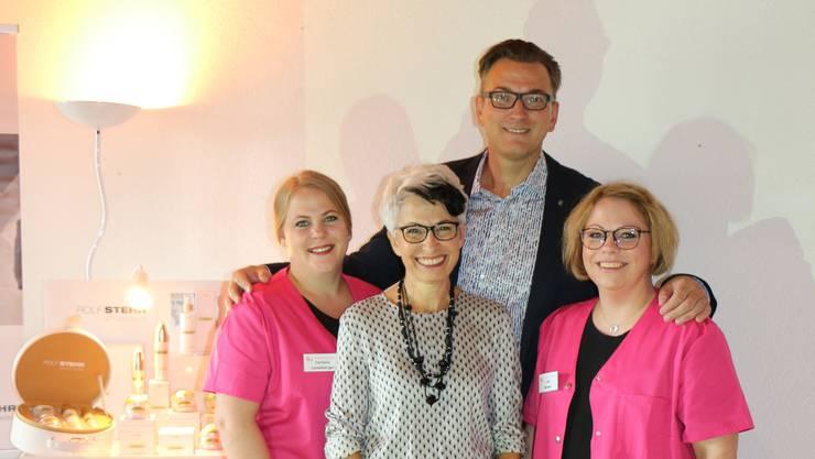 Das Team von Kosmetik Portmann zusammen mit dem Referenten Rolf Stehr.