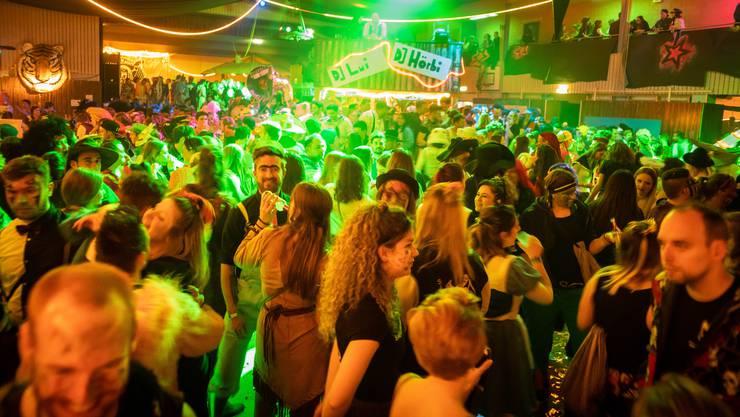 So viele Gäste wie 2019 (Bild) wird der Schürball Unterlunkhofen 2021 ziemlich sicher nicht haben.