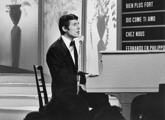 """Am 5. März 1966 gewinnt er in Luxemburg für Österreich mit dem Lied """"Mercie, Cherie"""" am Grand Prix Eurovision de la Chanson."""