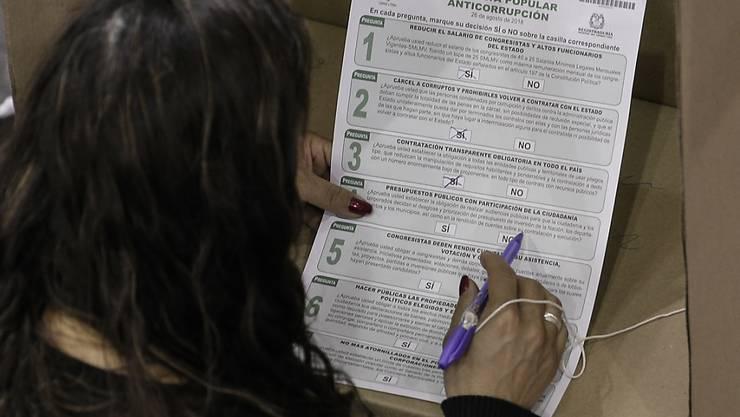 Die Volksbefragung zu sieben Anti-Korruptions-Massnahmen liess viele Kolumbianer kalt. Weniger als ein Drittel aller Wahlberechtigten nahm dran teil.
