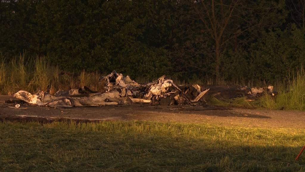 """Flugzeugabsturz Birrfeld: """"Das Flugzeug ging senkrecht zu Boden"""""""