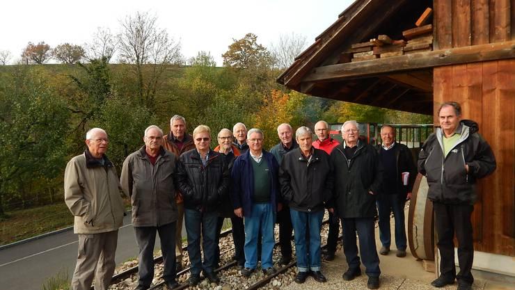 Die Kölliker Seniorengruppe beim alten Bergwerk Herznach