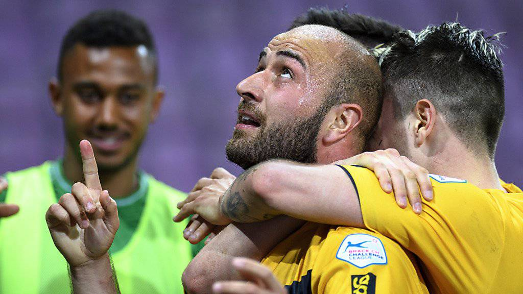 Der Schaffhauser Tunahan Cicek darf sich als Mann des Spiels in Vaduz freuen