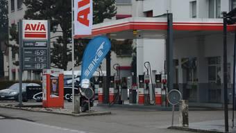 Die Avia-Tankstelle hofft auf neue Kunden.