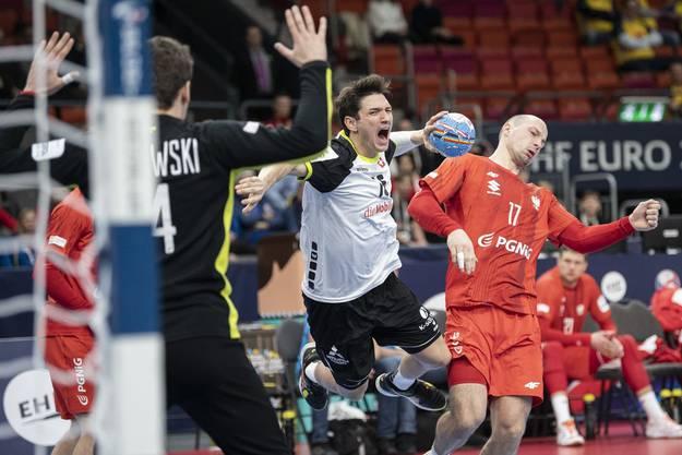 Nicolas Raemy (Mitte) erinnert sich an den letzten Cupfinal zurück.