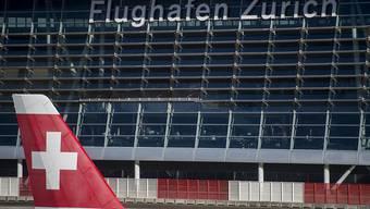 Die Swiss fliegt derzeit wieder alle Passagiere mit gültigen Reisedokumenten in die USA: Ein US-Bundesrichter hat das umstrittene Einreiseverbot für Bürger aus sieben Länder ausgesetzt. (Archivbild)