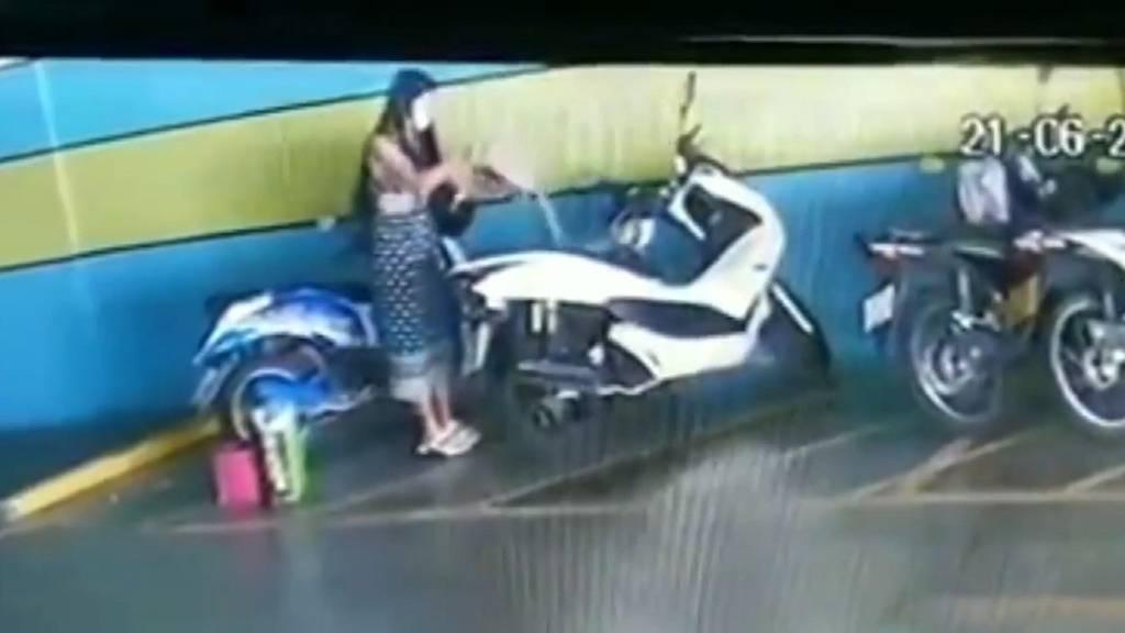 Feurige Eifersucht in Thailand: Frau fackelt Motorrad von Ex-Freund ab