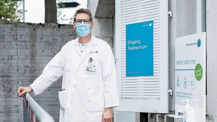 Christoph Fux Chefarzt Infektiologie am KSA: «Das Spital kann nur sehr beschränkt kompensieren, was die Bevölkerung durch Fehlverhalten anrichtet.»