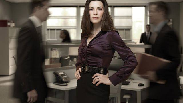 Tritt aus einem Scherbenhaufen hervor: Julianna Margulies als Alicia Florrick in «The Good Wife». Foto: Justin Stephens/CBS