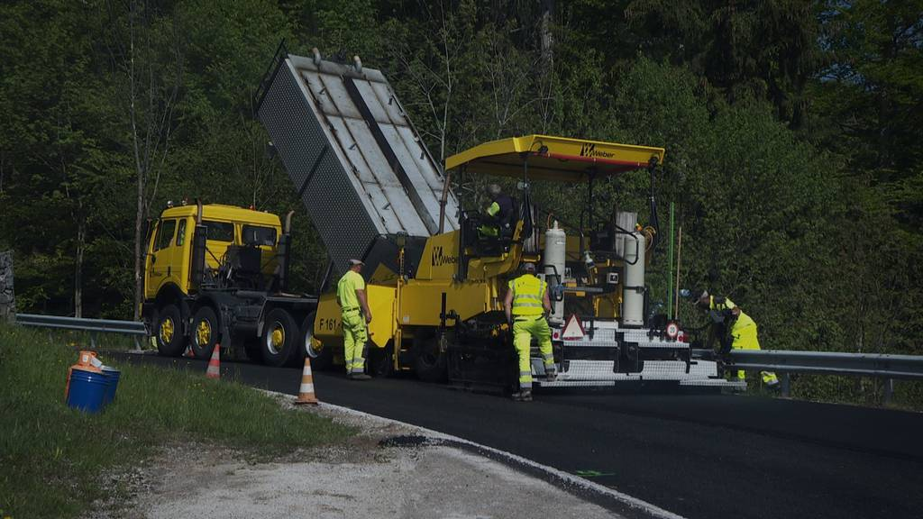 Drei Wochen vor dem Bergrennen Hemberg werden die Strasse noch saniert.
