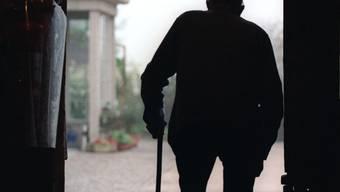 Zwei über 80-Jährige haben am Wochenende Unfälle verursacht und Passanten verletzt (Symbolbild)