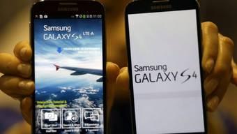 Ein Smartphone von Samsung des  Typs Galaxy S4