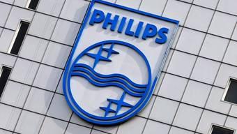 Das Philips-Logo in Amsterdam (Archiv)