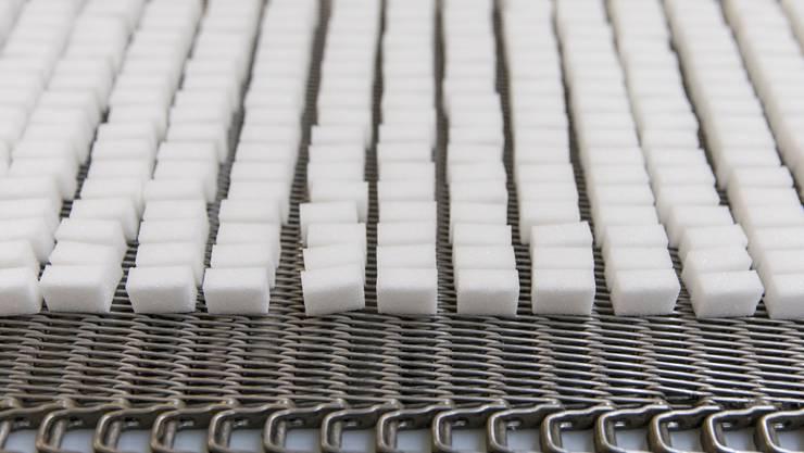 Zuckerwürfel aus der Zuckerfabrik Aarberg.