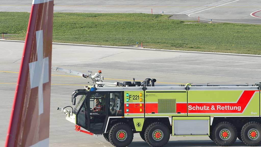 Feuerwehrfahrzeug und Airbus kamen sich in Zürich gefährlich nahe